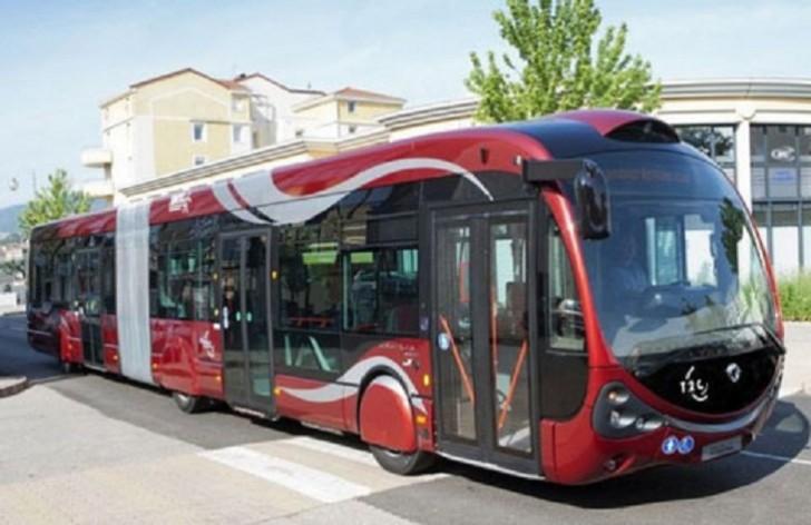 """BakuBus""a məxsus 3 avtobus toqquşub"