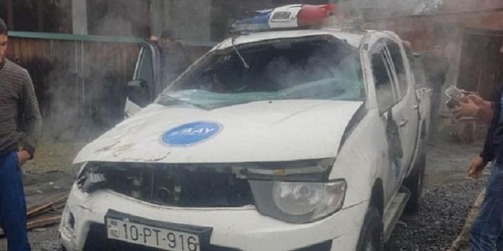 Dövlət Agentliyinin maşını qəzaya düşüb yandı: