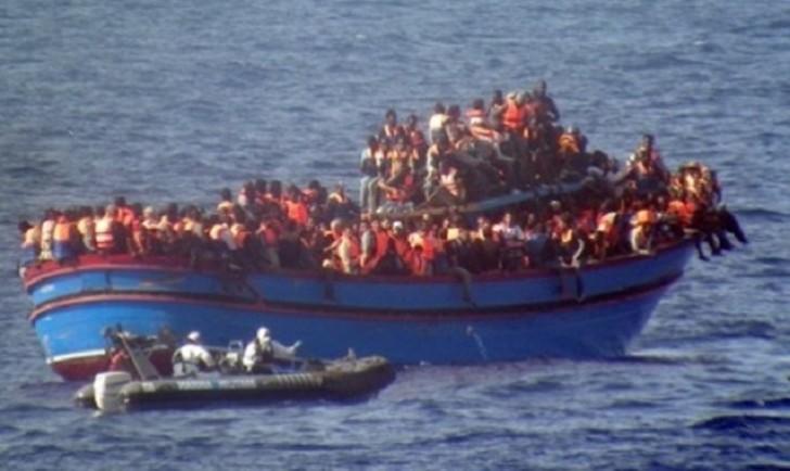 Miqrant gəmisi batdı: 20 nəfər itkin düşdü