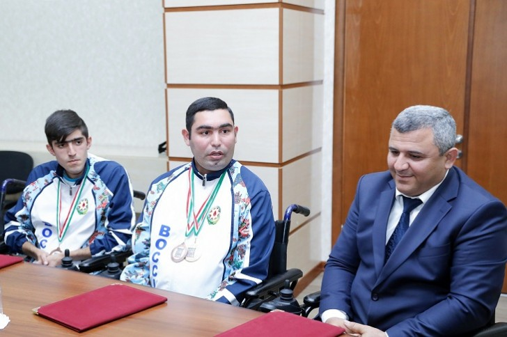 Sahil Babayev boccia idman komandası ilə görüşüb