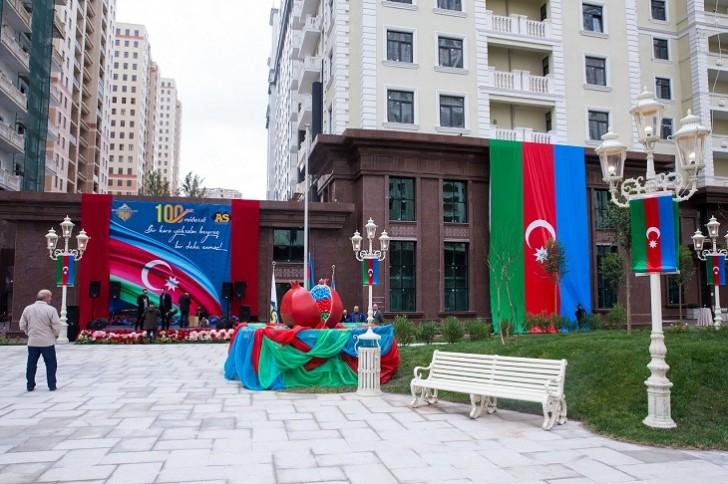 """""""Renessans Palace""""da Bayraq günü tədbiri keçirilib"""
