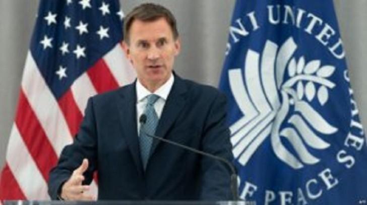 Böyük Britaniyanın xarici işlər naziri Ceremi Hant bu gün İrana gedib.