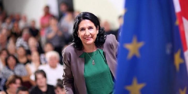 Gürcüstanın ilk qadın prezidenti Salome Zurabişvili kimdir?-