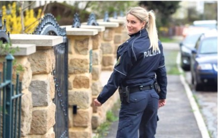 Qadın polis sosial medianı coşdurdu-