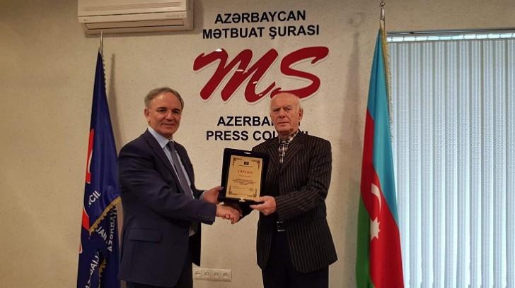 Zöhrab Zeynallıya Mətbuat Şurasının diplomu təqdim edilib-