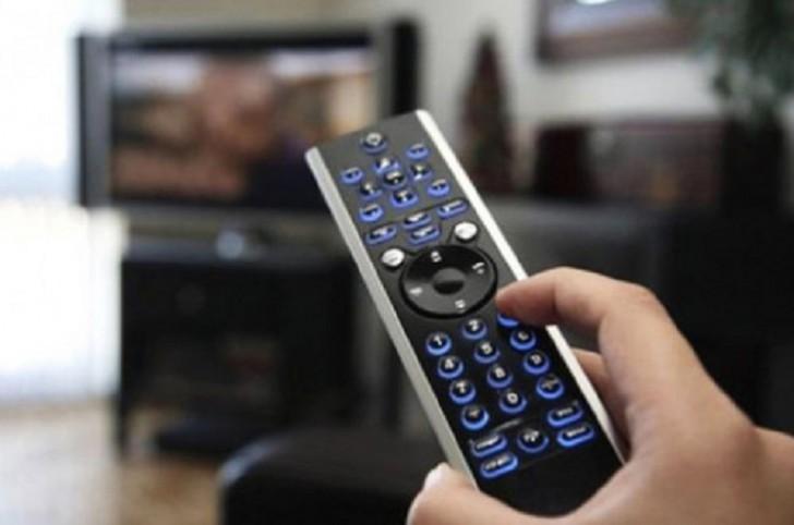 Televiziya və radiolarda ədəbi dilin bütün normaları pozulur-