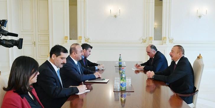 Türkiyənin xarici işlər naziri İlham Əliyevlə danışıqlarda