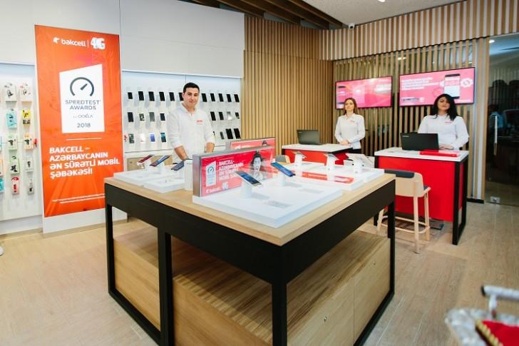 Bakının mərkəzində tam yeni üslubda ilk Bakcell konsept mağazası açıldı-