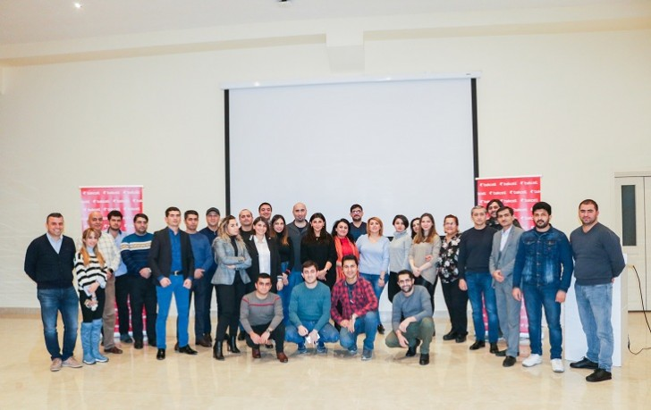 """Bakcell jurnalistlər üçün """"Mobil telekommunikasiyaya giriş"""" adlı seminar keçirib-"""