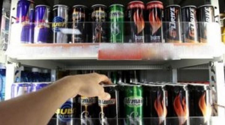 Azərbaycanda energetik içkilərin idxalına aksiz vergisi tətbiq olundu