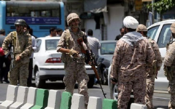 İranda hərbi hissəyə hücum: