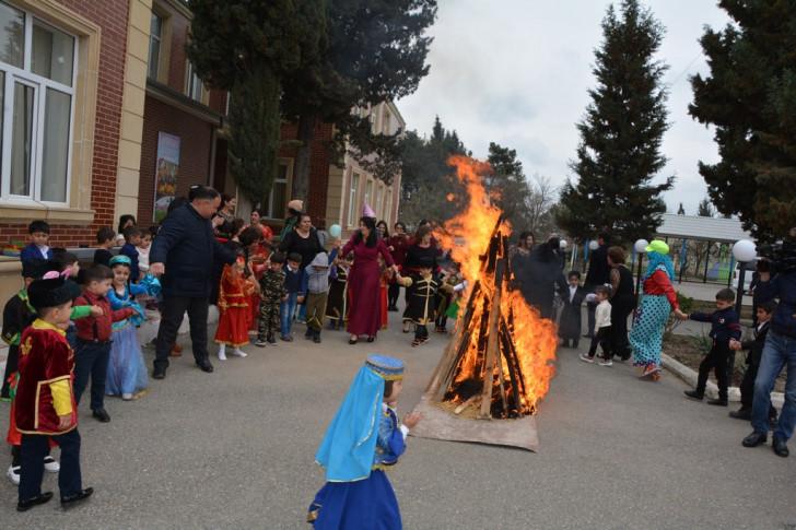 Tərtərin Seydimli kəndində bağçada Novruz şənliyi