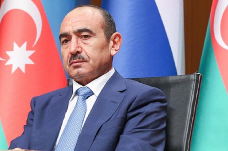 Əli Həsənov İlham Əliyev haqqındakı iddiaları təkzib etdi: