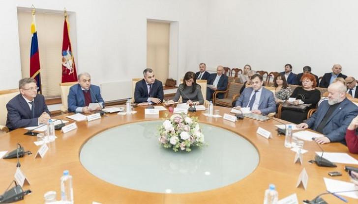 AzerRos və AzerMos Fuad Abbasova qarşı ermənilərlə birləşdi-