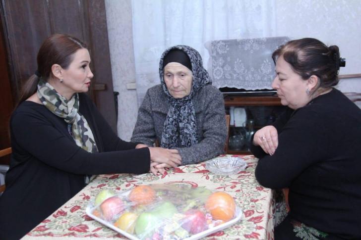"""Qənirə Paşayeva """"DOST Xonçası"""" qoşulub-"""