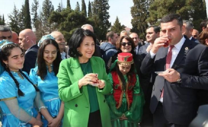Gürcüstan prezidenti azərbaycanlılarla rusca danışmaqdan imtina etdi
