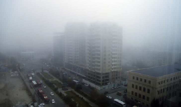 BNA dumanlı hava şəraiti ilə əlaqədar sürücülərə xəbərdarlıq etdi