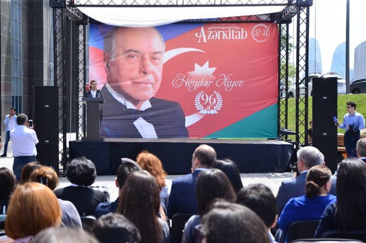 2-ci Kitab festivalı çərçivəsində millət vəkili Q.Paşayevanın kitablarının imza günü olub