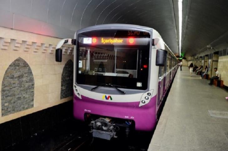 Bakı metrosunda 4 stansiyada işıqlar söndü-