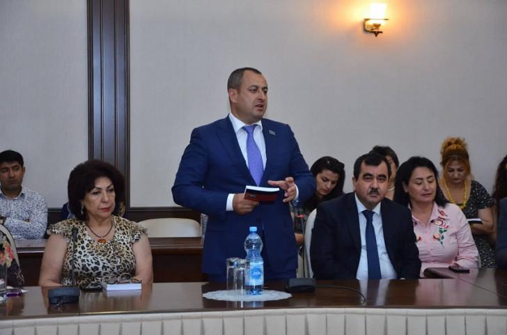 """""""Erməni zindanında səkkiz gün"""" kitabı təqdim olundu -"""