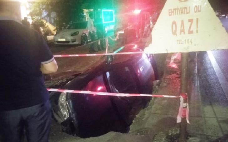 """""""Azəriqaz""""dan avtomobilin çuxura düşməsilə bağlı"""