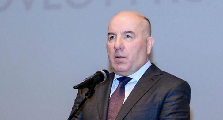 Elman Rüstəmov dünyada ikinci yeri tutdu